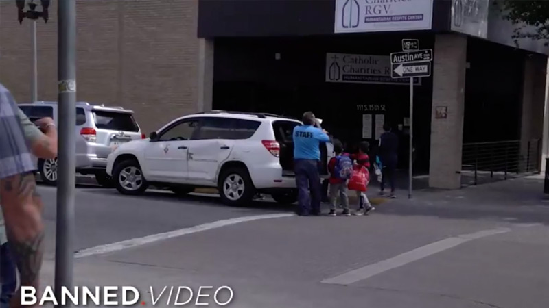 Alex Jones STOPS Smugglers From Illegally Transporting Children At The Border
